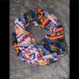 Infinity scarf / look at this color combo /worn 1X